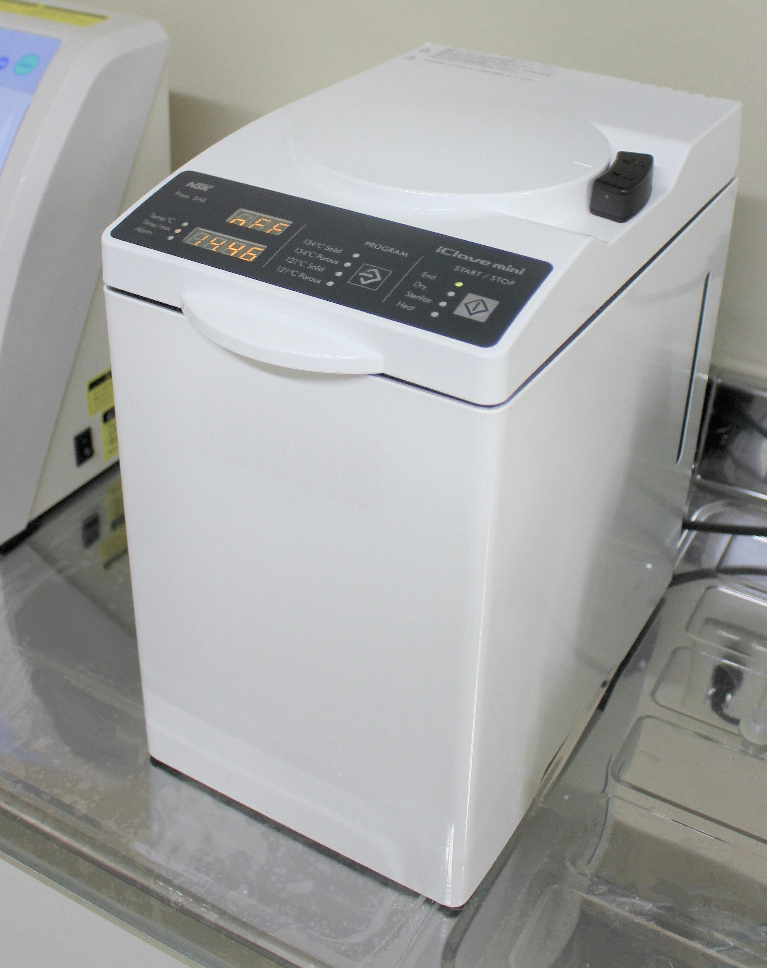 ハンドピース専用滅菌機器iClavemini